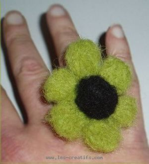 carded wool flower ring