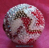 Bead ball table decoration