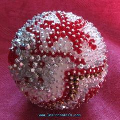 Bead ball for the Christmas table centerpiece