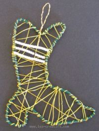 Wire wrapped Christmas stocking design