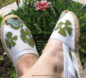 Espadrilles with painted flower design