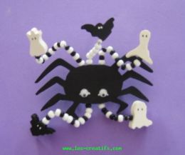 Wooden Halloween bead brooch